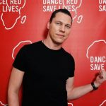 Tiesto-Dance-Red-Save-Lives