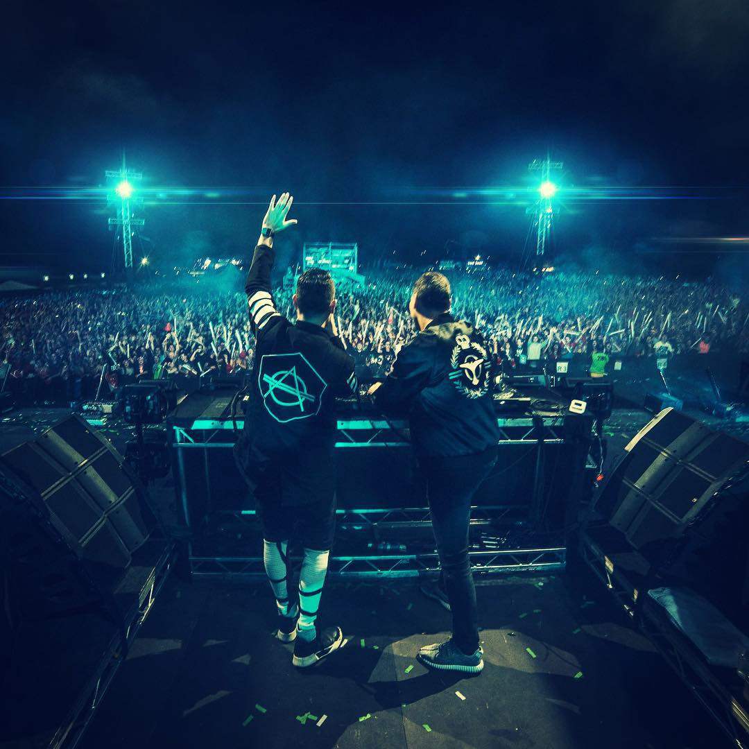 tiesto-and-don-diablo-live-creamfields-2015