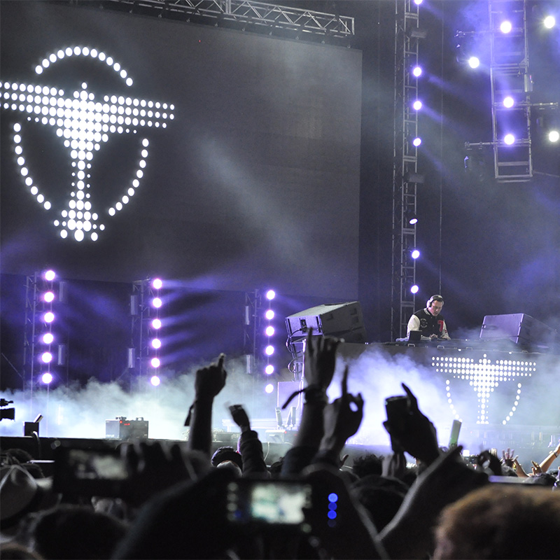 Tiesto Live at Festival Estereo Picnic, April 05 2014