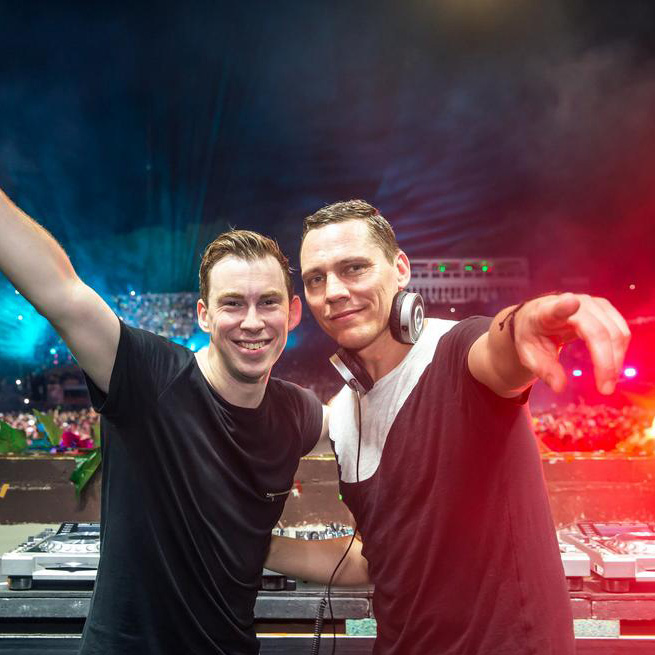 Hardwell and Tiesto at Tomorrowland 2014