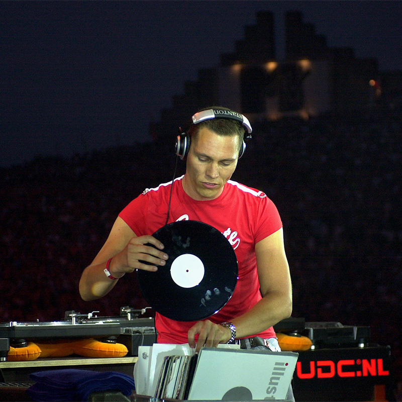Tiesto - Live at Dance Valley 2003